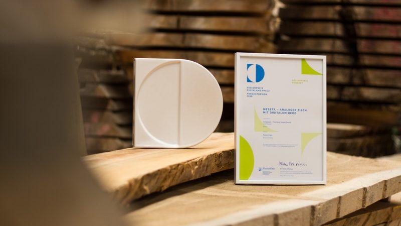 2019-Designpreis-RLP-holzgespür-Award-Urkunde-Tischlerei-q-1000px-(c)holzgespür